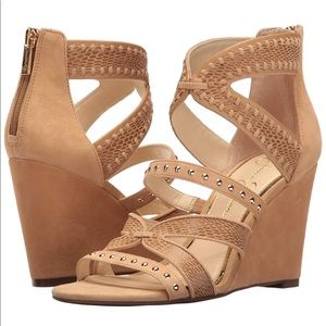 NIB Jessica Simpson Tan Suede Wedge, Sz 10